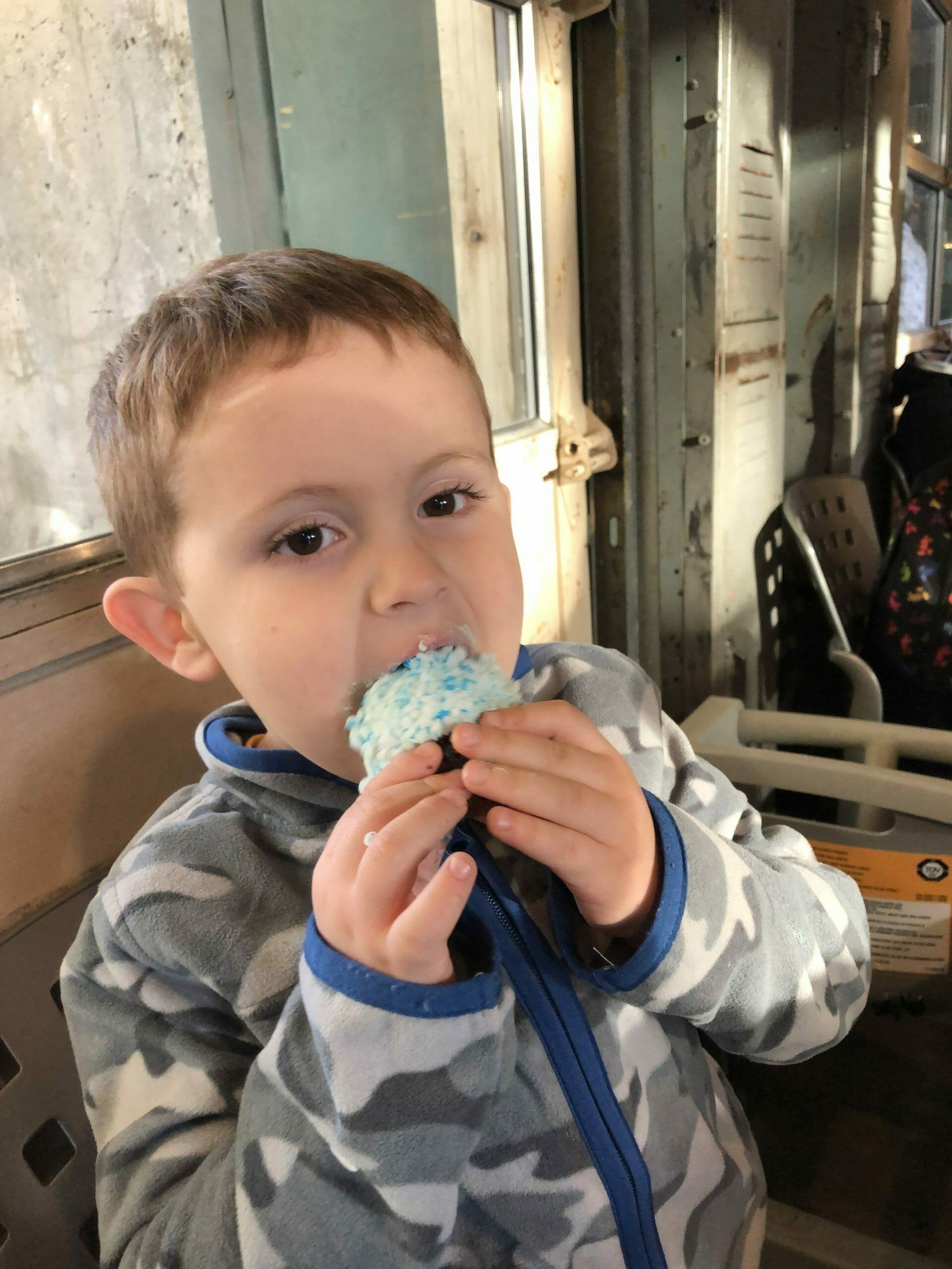 Snack Credit - blue cupcake